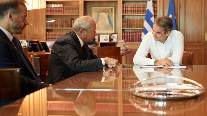 Συνάντηση Μητσοτάκη με τον υποψήφιο επενδυτή, Naguib Sawiri, στο Μαξίμου