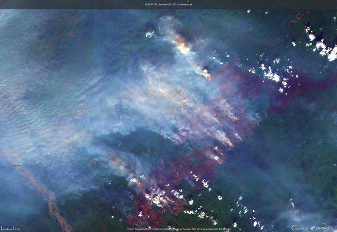 Εικόνα από δορυφόρο των πύρινων εστιών στην Αλάσκα