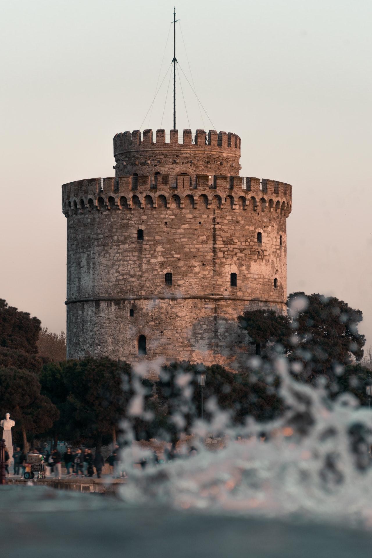 Ο Λευκός Πύργος στην παραλία της Θεσσαλονίκης