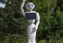 Το ρομπότ Pepper του Διεθνούς Αερολιμένα Αθηνών ΔΑΑ «Ελ. Βενιζέλος»