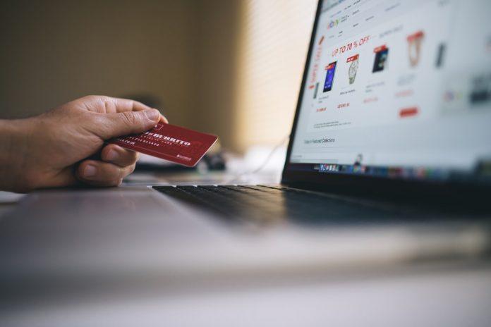 Ηλεκτρονικές συναλλαγές - Αγορές με κάρτα στο internet