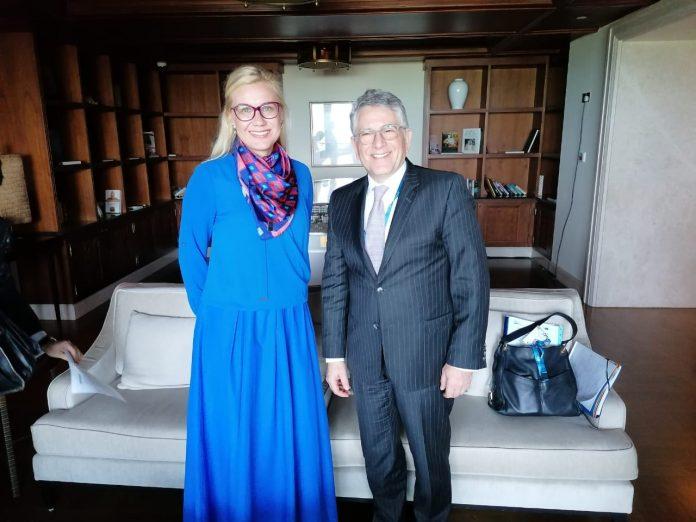 Ο υφυπουργός Ενέργειας Γεράσιμος Θωμάς με την Επίτροπο Ενέργειας της ΕΕ, Kadri Simson